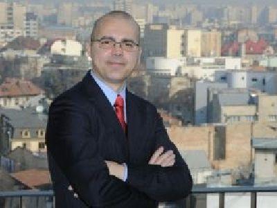 Adrian-Catalin Bulboaca (II): Ce diferenta face un avocat in Univers? Cred ca oricine, inclusiv un avocat, trebuie sa contribuie la descifrarea sensului vietii