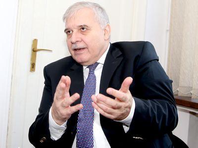 EXCLUSIV - Prof. univ. dr. Alexandru Athanasiu, pentru Avocatura.com: `Poziționarea procurorului pe acel podium în instanță este o formă de discriminare Stat - cetățean`