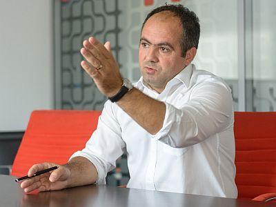 Despre avocatură, cu onestitate - Avocatul Mădălin Niculeasa: `Avocatura este așa cum suntem! Urâtă și plină de interese! Și interese străine profesiei`