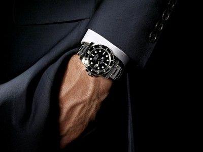 Un avocat s-a autosuspendat din profesie după ce şi-a pierdut ceasul de lux: `Ce le mai arăt clienţilor? Dacă ai un ceas şmecher, e clar că ai mai câştigat procese!`