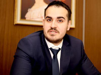 A luat «din prima» la Barou - Matei Ștefănescu, avocat stagiar la DLA Piper: `Memoria nu te face un avocat bun`