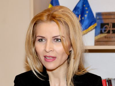 Avocatul Mihaela Olaru, omul care face educație juridică în licee: `Sunt dezamăgită de avocați. Mulți ar fi venit în proiect dacă ar fi fost o sursă de venit, rar face cineva voluntariat. Cinste judecătorilor!`
