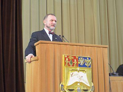 Flavius Baias către studenții Facultății de Drept: `Și în acest an, din 611 de admiși în avocatură, 240 sunt din facultatea noastră. Ceilalți, prietenii noștri, sunt departe`