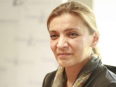 Carmen Monica Cercelescu, şefa Departamentului de Comunicare al UNBR: `În momentul acesta, nu mai este suficientă prezența în sala de judecată. E important, ca avocat, să ieşi în spaţiul public`