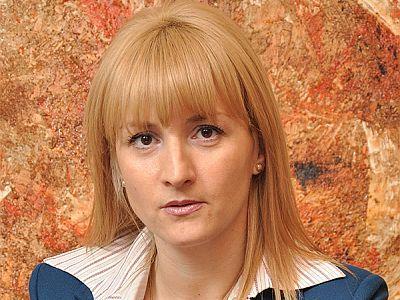 Realitatea avocaturii de business - Avocatul Luiza Budușan: `Sună bine că stai în birou și scrii e-mailuri, dar ai o responsabilitate uriașă, poate chiar mai mare decât a avocaților care merg doar în instanță`