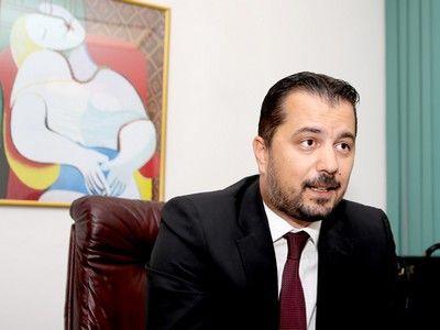 Octavian Popescu, consilier Baroul Bucureşti (II): `Avocatul este construit aproape genetic pentru a critica. Ne trebuie mai multă implicare` / `Numărul mare de litigii nu poate să confere siguranţă democraţiei`