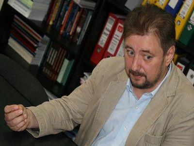 Politologul Cristian Pirvulescu (II): Cu siguranta, in societatea romaneasca, unii cred ca detin inelul lui Gyges. Greseala noastra e ca nu ne controlam liderii